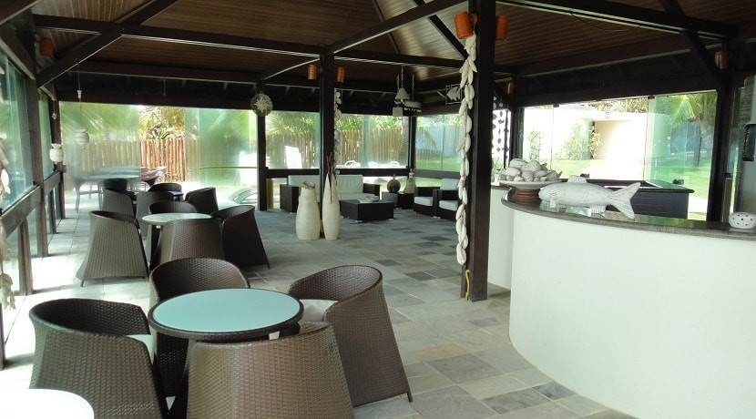 img-bar-externo-do-marulhos-resort-muro-alto-alugamos-por-temporada