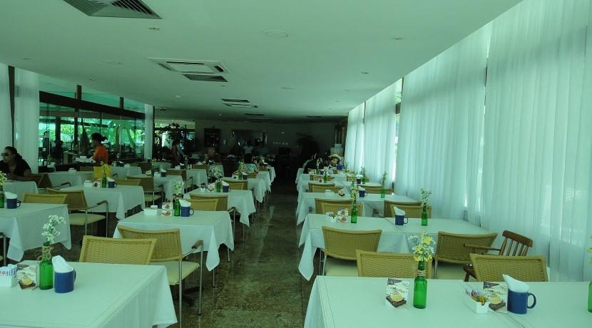 img-restaurante-e-bar-do-marulhos-resort-muro-alto-aluga-se-flats-por-temporada
