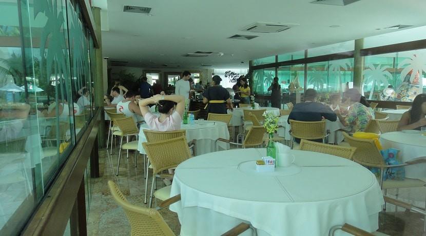 img-restaurante-e-bar-do-marulhos-resort-muro-alto-alugamos-por-temporada