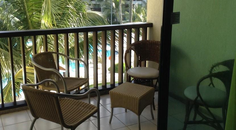 img-varanda-do-flat-marulhos-resort-em-muro-alto-aluga-se-por-temporada