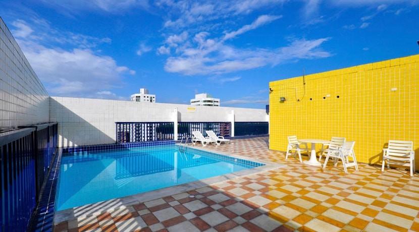 img-piscina-na-corbertura-do-edificio-studio-everest-alugamos-flats-mobiliados-em-boa-viagem