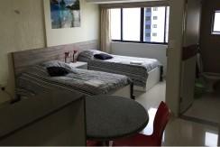 img-quarto-com-dupla-cama-do-studio-everest-aluga-se-flats-por-temporada-em-boa-viagem